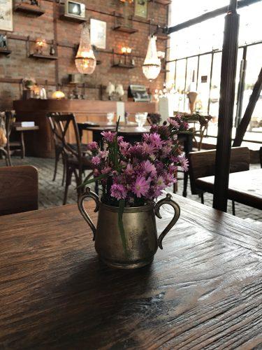 The Bistrot Wild Flowers inn a Vintage Vase