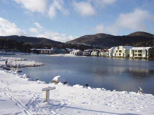 Lake Crackenback in winter